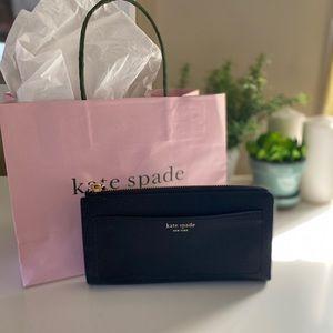 Kate Spade L zip Continental Wallet